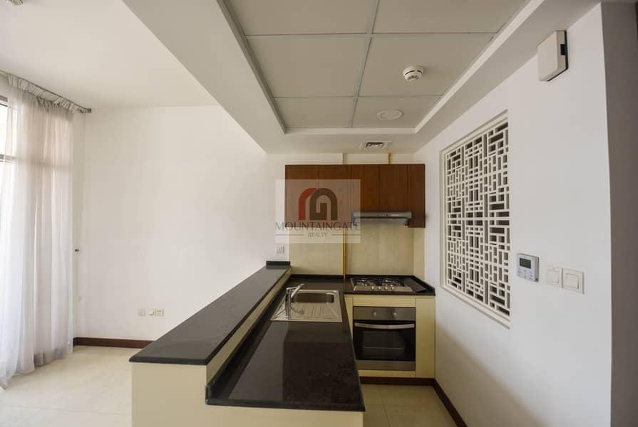 2 Ready Brand-new Studio W Stylish Kitchen