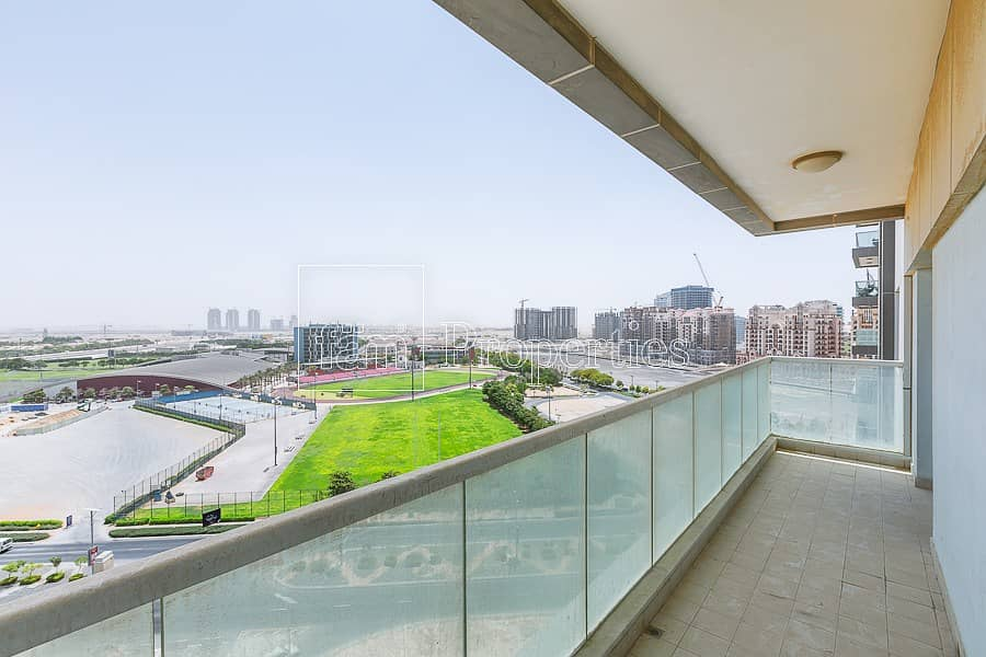 2 Large Corner Unit with Great Views
