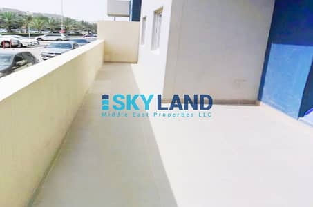 شقة 2 غرفة نوم للايجار في الريف، أبوظبي - Ground Floor w/ Big Terrace ! Vacant w/ Store