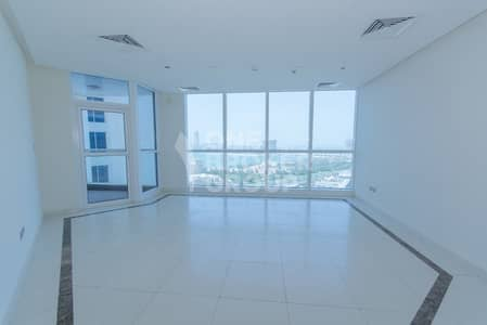 Spacious 3 bed | Sea View | Chiller free