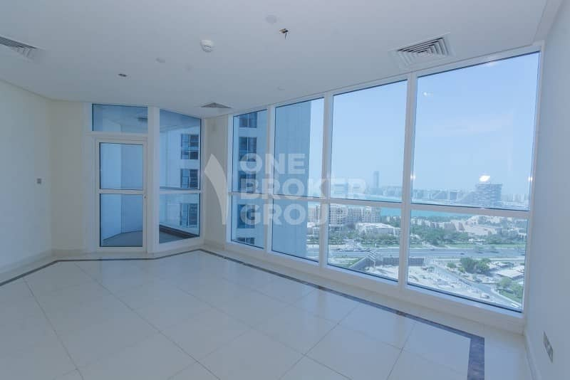 2 Spacious 3 bed | Sea View | Chiller free
