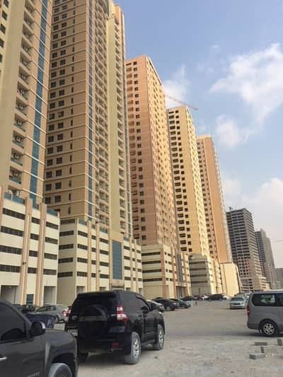 2 Bedroom Flat for Sale in Emirates City, Ajman - PARADISE LAKE TOWERS B5