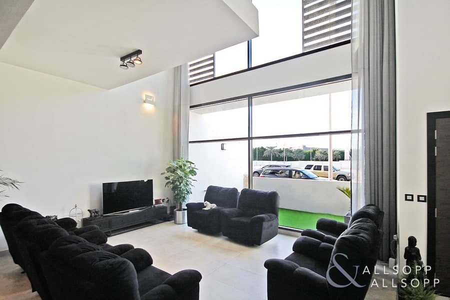 Best Quality In JVC   Stunning Townhouse