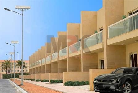 تاون هاوس 3 غرفة نوم للبيع في المدينة العالمية، دبي - Gorgeous 3-BR + Maids | Single Row !! Warsan Village