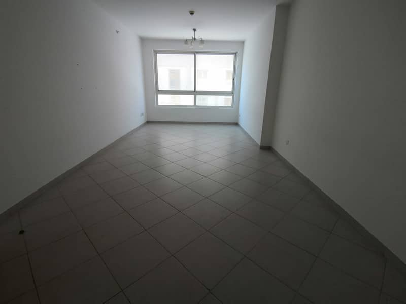 Luxurious 2 Br With Storage And One Month Free With Open View
