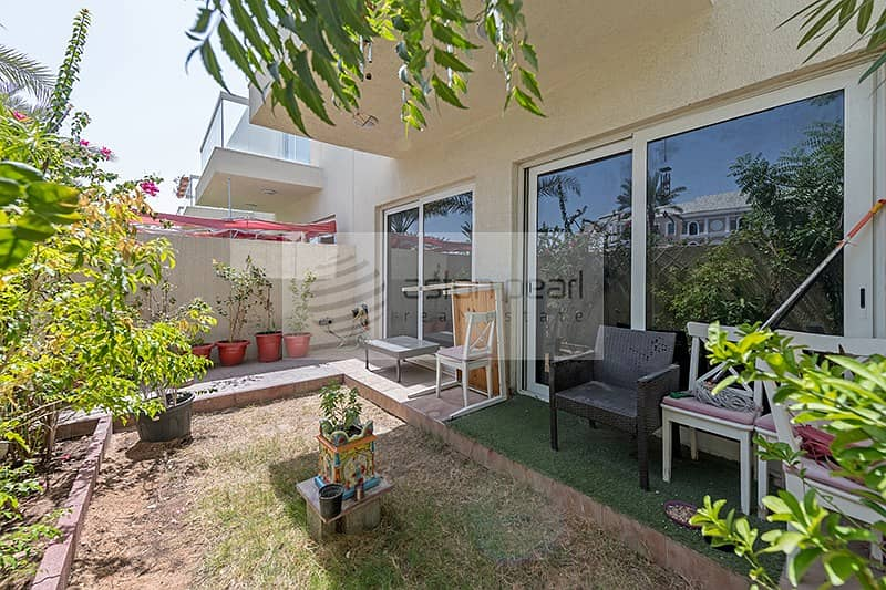 21 Stunning  3BR Townhouse with 2 Parking space