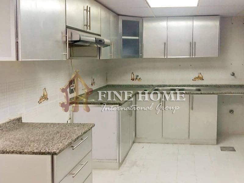 2 Amazing 4BR apartment in Al Najda street