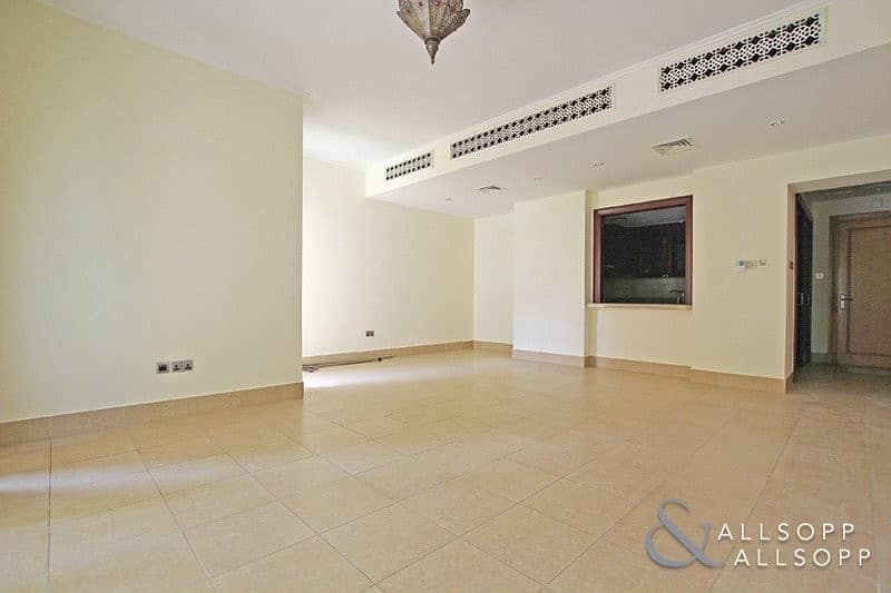 2 2 Bedrooms | Vacant | Close to Dubai Mall