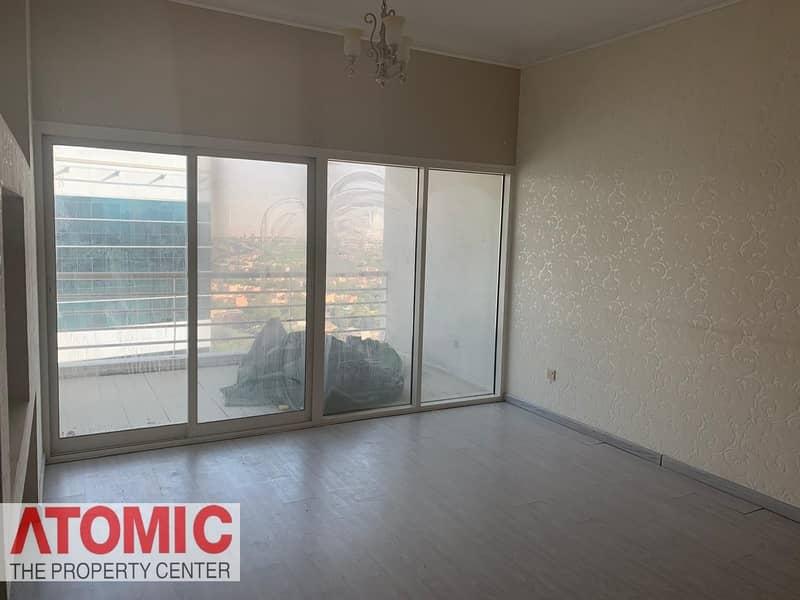 10 Investor Deal!Rented 1 Bedroom For sale in Op1!Large layout