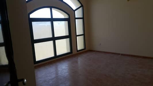 فیلا 4 غرفة نوم للايجار في الورقاء، دبي - فیلا في الورقاء 4 غرف 130000 درهم - 4251253