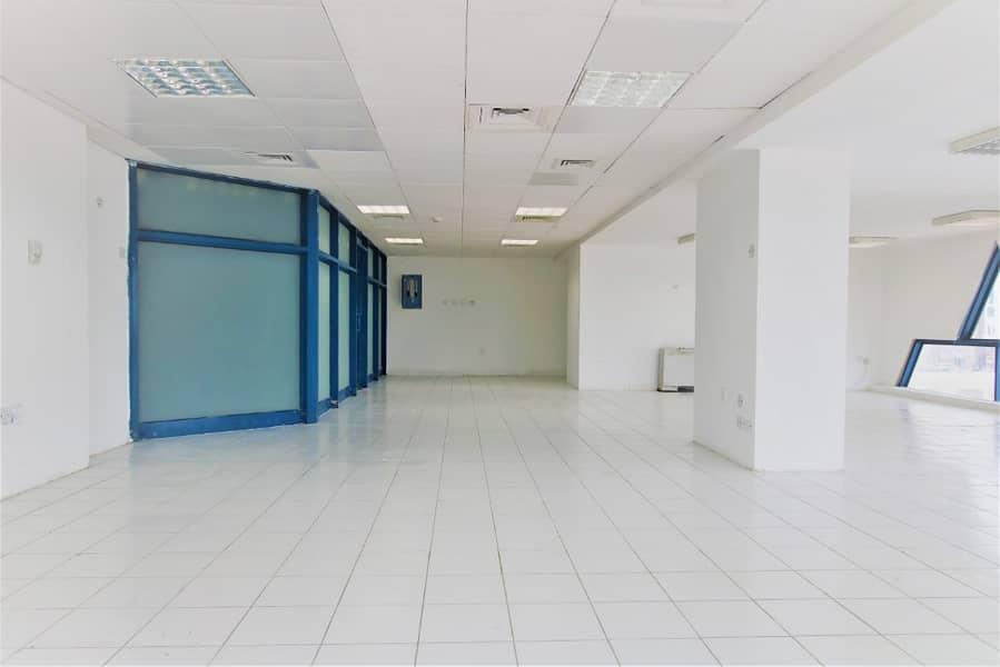 مکتب في برج التغرید شارع المطار 75000 درهم - 4251339
