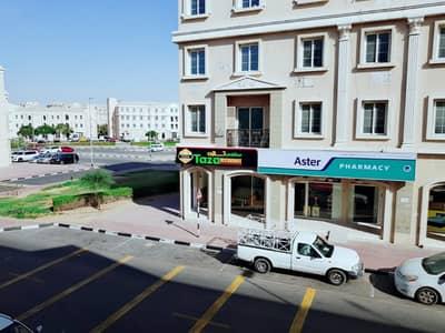 شقة 1 غرفة نوم للايجار في المدينة العالمية، دبي - شقة في طراز فرنسا المدينة العالمية 1 غرف 32000 درهم - 4249424