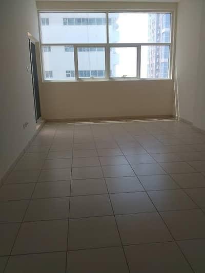 فلیٹ 1 غرفة نوم للبيع في الصوان، عجمان - Hall with window