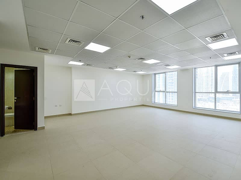 2 Bright Unit | Partial Lake Views | Fitted