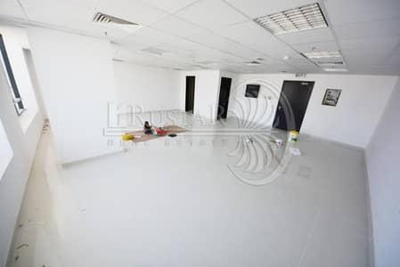 مکتب  للايجار في قرية جميرا الدائرية، دبي - well sized office offered for rent inJVC