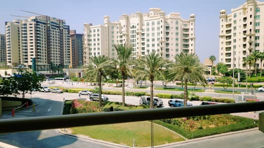 3 Bedroom Flat for Rent in Palm Jumeirah, Dubai - 3Bedrooms Plus Maids Room