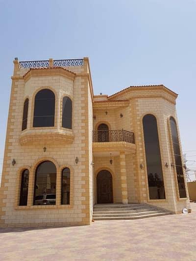 4 Bedroom Villa for Rent in Oud Al Muteena, Dubai - للايجار فيلا مميزة فى عود المطينة ٤ غرف ماستر موقع جيد قريب الخدمات