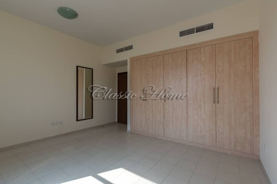 2 Best Price! 3 Bed Townhouse New World Style