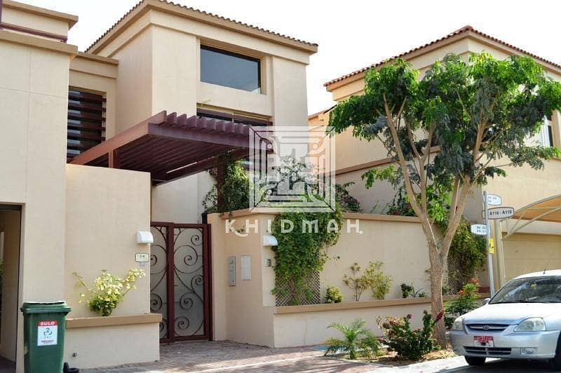 4 Bedroom villa available for sale in Golf Gardens