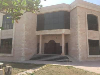 5 Bedroom Villa for Rent in Al Jurf, Ajman - vila for rent in jurf very good location