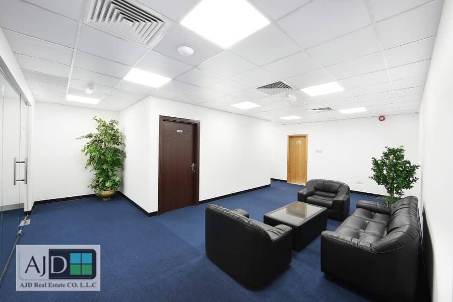مکتب في مبنى مشاريع الإمارات منطقة شارع المطار القرهود 25000 درهم - 4257041