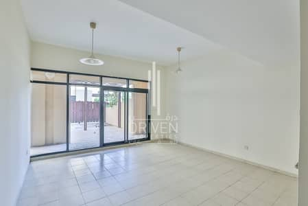 3 Bedroom Flat for Sale in The Greens, Dubai - Vacant Apartment with a Private Courtyard