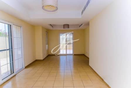 فیلا 3 غرفة نوم للايجار في البحيرات، دبي - Large Plot | Vacant Now | Well Maintained