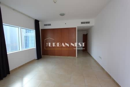 2 Bedroom Apartment for Rent in Dubai Marina, Dubai - Vacant property in a renowned tower in Dubai marina