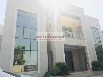 فیلا 6 غرفة نوم للايجار في تلال الإمارات، دبي -   Mansion in Emirates Hills     6 Bedroom En-suite    Lake View  