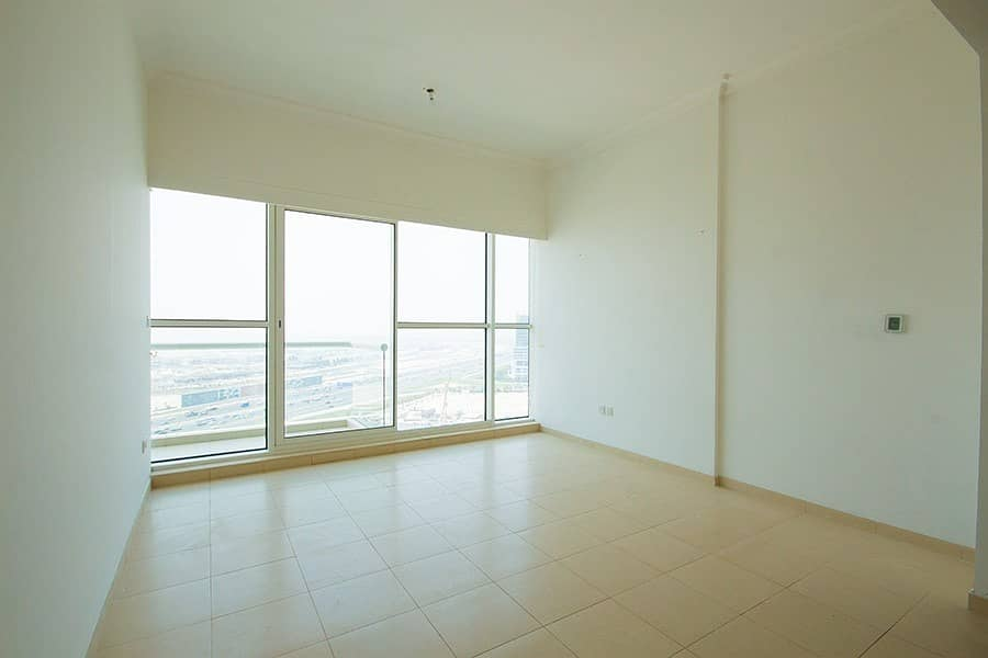 2 Large 1 Bed   Creek View   High Floor   Vacant