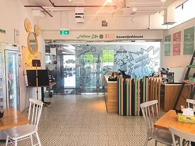 محل تجاري  للايجار في أبراج بحيرات جميرا، دبي - Cluster V | Fitted Retail Space | with Balcony | 2 Car Parking