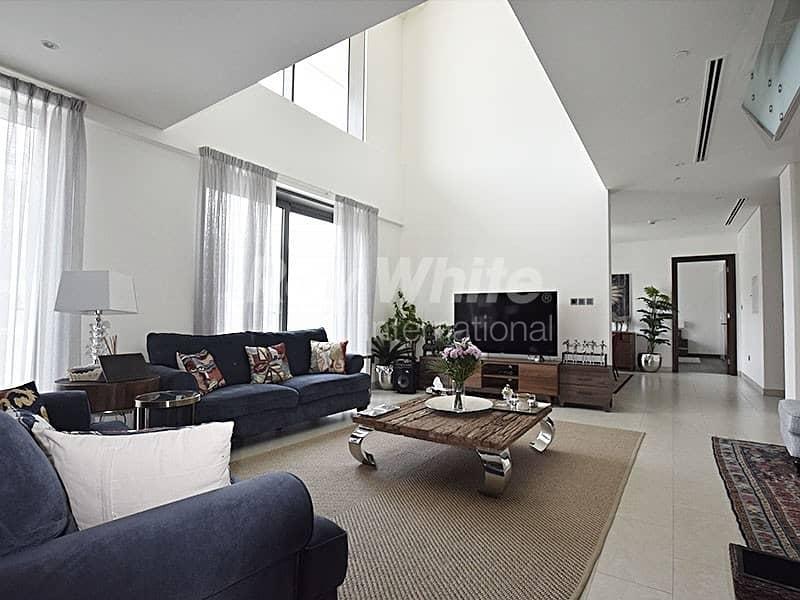 Grand luxury Penthouse w/ Pool & Garden View