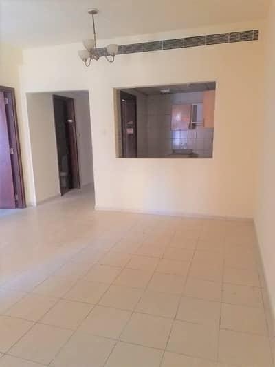 فلیٹ 1 غرفة نوم للايجار في المدينة العالمية، دبي - شقة في طراز فارسي المدينة العالمية 1 غرف 32000 درهم - 4261077