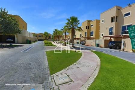 4 Bedroom Villa for Sale in Al Raha Gardens, Abu Dhabi - Corner 4BR Villa Great Location with Pool