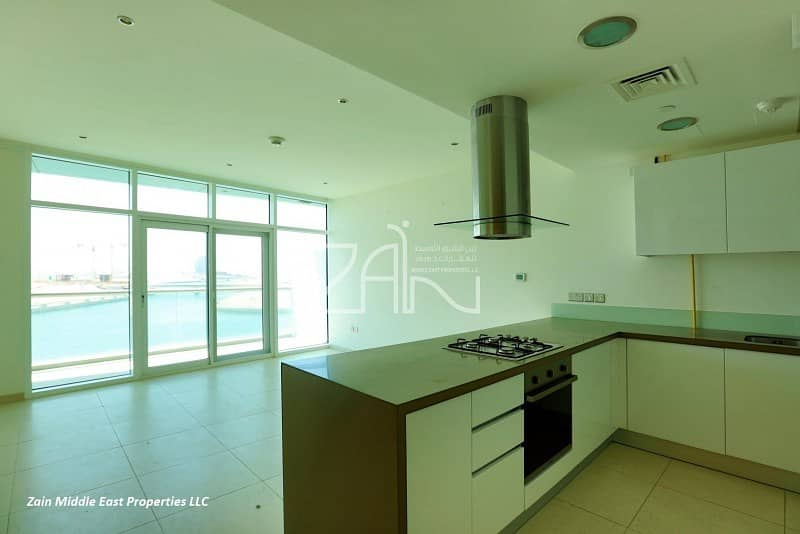 2 Sea View 2BR Apt with Balcony Fantastic Layout