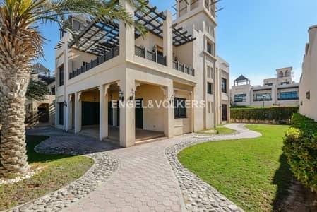 5 Bedroom Villa for Rent in Jumeirah, Dubai - 14 Months Contract   Villa with Beach Access