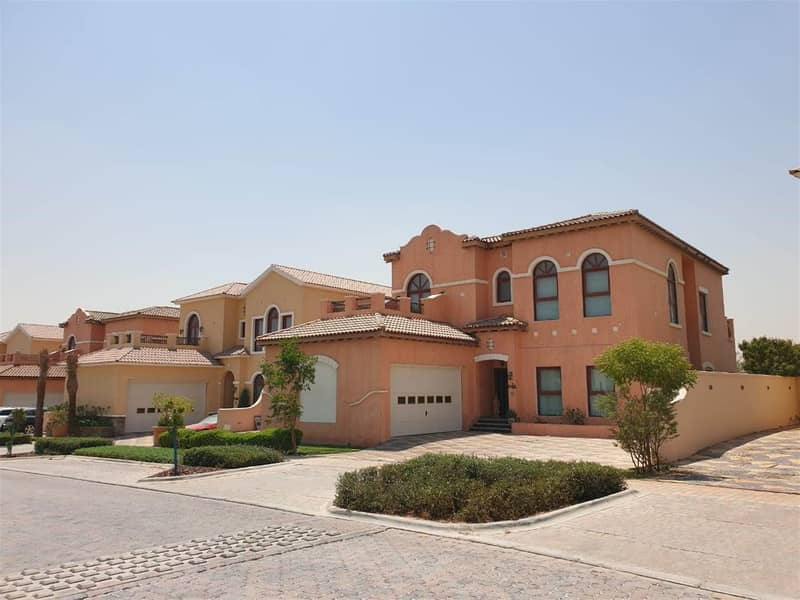 21 BEAUTIFUL LUXURY VILLA AVAILABLE FOR SALE