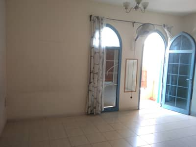 شقة في طراز فارسي المدينة العالمية 22000 درهم - 4262485