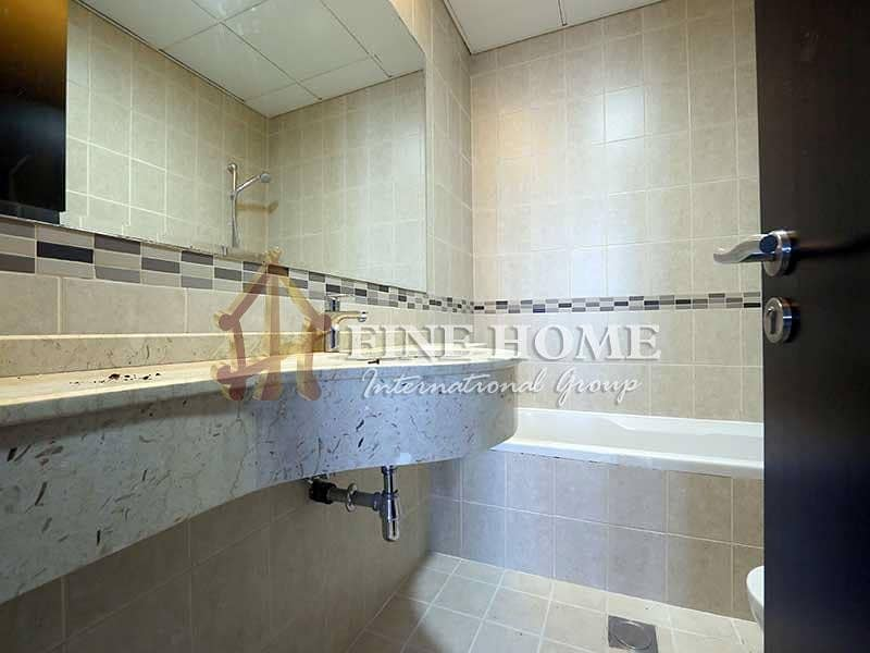 17 Well Spaced 3BR +M Apartment