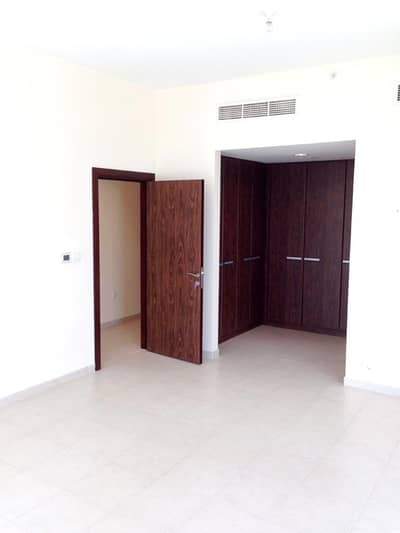 2 Bedroom Apartment for Sale in Business Bay, Dubai - SUPER DEAL!!! HIGH FLOOR LARGE 2BR MAID IN EXECUTIVE TOWERS!!!