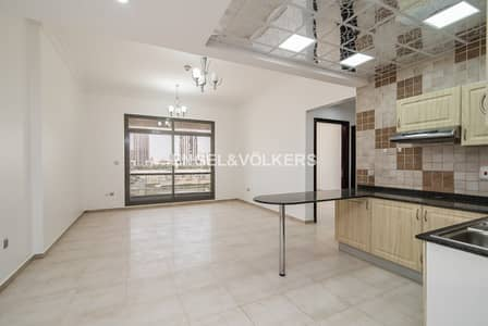 1 Bedroom Flat for Sale in Dubai Sports City, Dubai - Fully Upgraded | Great Views | Spacious