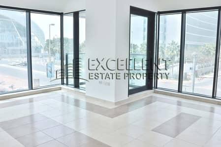 شقة 3 غرفة نوم للايجار في الخالدية، أبوظبي - Sea View Brand New 3 BR Flat with Parking