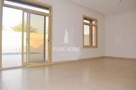 فیلا 5 غرفة نوم للبيع في حدائق الجولف في الراحة، أبوظبي - Ready to Move In 5 Bedrooms  in al Raha Golf Gardens