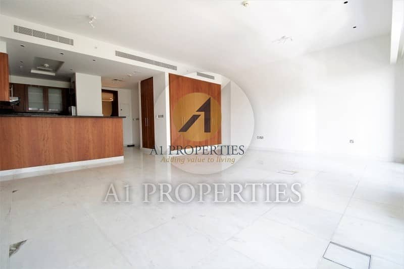 Cozy Bright Studio Apartment with SZR View