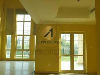 فیلا 4 غرفة نوم للبيع في جزر جميرا، دبي - Full Lake View  European Cluster E.Foyer Vacant