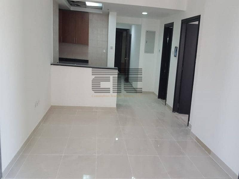 spacious 1 bhk in Escan Tower upto 12 cheques