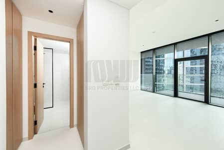 1 Bedroom Apartment for Rent in Business Bay, Dubai - Elegant 1BR | Canal and Downtown View
