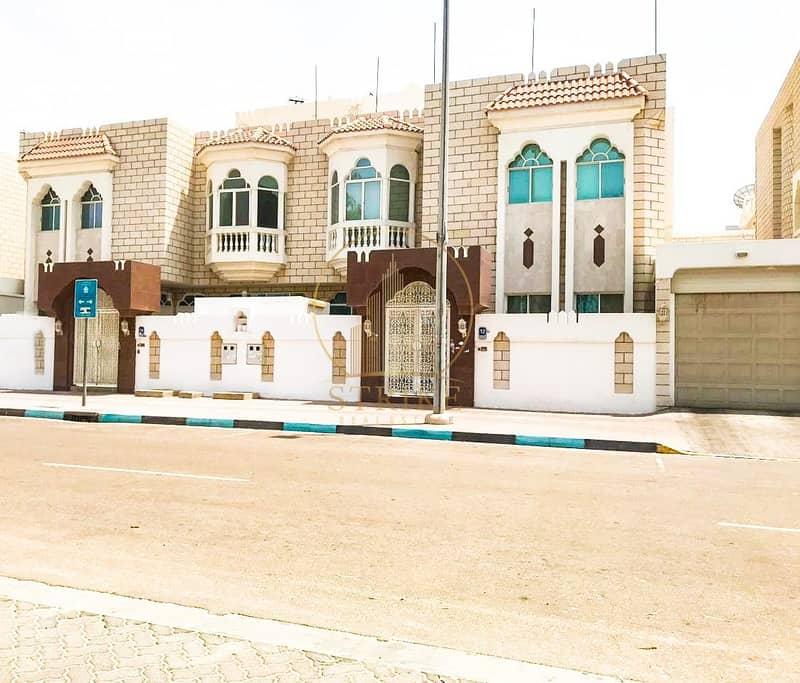 Great Villa in Al Najda Street for Rent