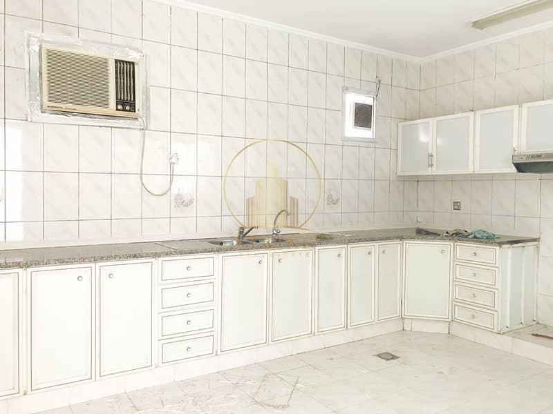 15 Great Villa in Al Najda Street for Rent