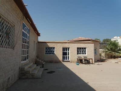 4 Bedroom Villa for Rent in Al Nekhailat, Sharjah - 4 BHK Villa with majlis, hall, big hoash, covd parking, split A/C, big kitchen